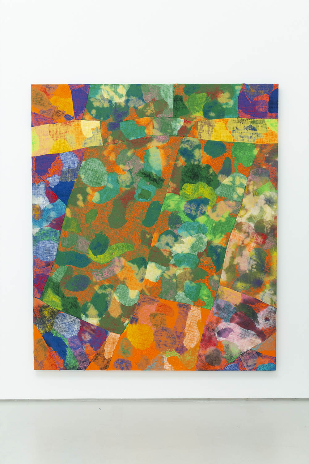 Evan Nesbit, Yuba Fizz, 2018. Acrylic, dye on burlap 79 x 68 in (200.7 x 172.7 cm)