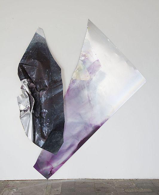 Myriam Holme, im einanderfließen, 2019. Stain, lacquer, gold foil on Aluminium 220 x 180 x 20 cm 86 2/3 x 70 3/4 x 7 3/4 in