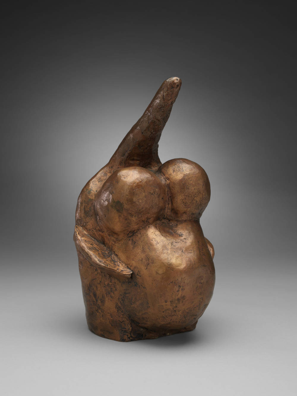 Louise Bourgeois, Fragile Goddess, 1970. Bronze, gold patina 26 x 14.3 x 13.7 cm / 10 1/4 x 5 5/8 x 5 3/8 in © The Easton Foundation / 2019, ProLitteris, Zurich. Courtesy the Foundation and Hauser & Wirth. Photo: Christopher Burke