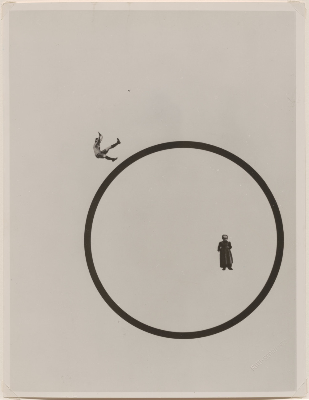 László Moholy-Nagy , Wie bleibe ich jung und schön? (How Do I Stay Young and Beautiful?), 1925 (printed 1973). Photoplastic 29 x 22.2 cm / 11 3/8 x 8 3/4 in © the Estate of László Moholy-Nagy / Artists Rights Society (ARS), New York / VG Bild-Kunst, Bonn. Courtesy of the Estate of László Moholy-Nagy