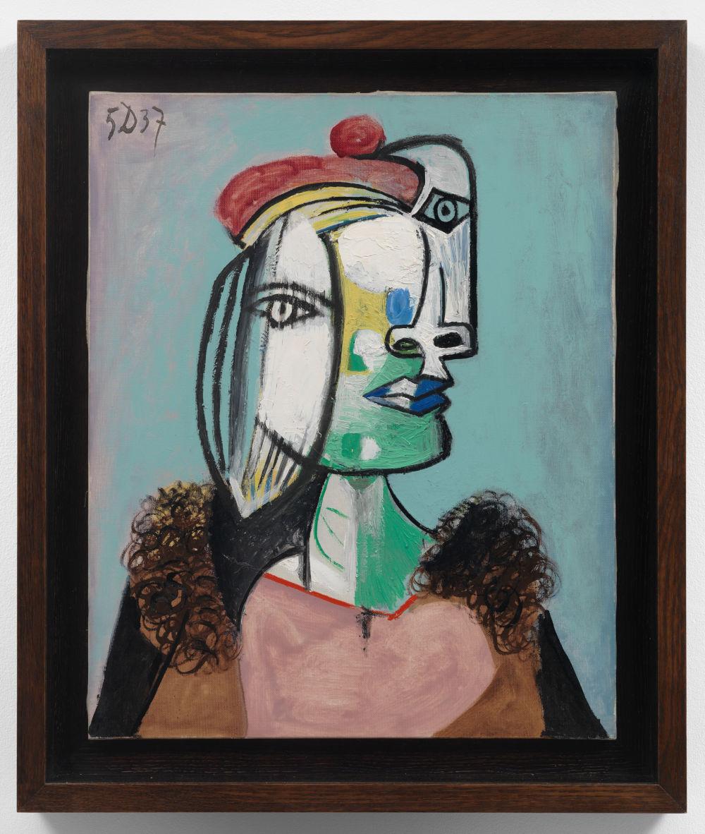 Pablo Picasso, Marie-Thérèse au béret rouge et au col de fourrure, 1937. Oil on canvas 61 x 50 cm / 24 x 19 5/8 in. Arora Collection © Succession Picasso / 2019, ProLitteris, Zurich. Photo: Stuart Burford Photography