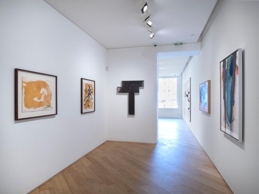 Galerie Lelong avenue Matignon Jannis Kounellis Arnulf Rainer Antoni Tapies 3
