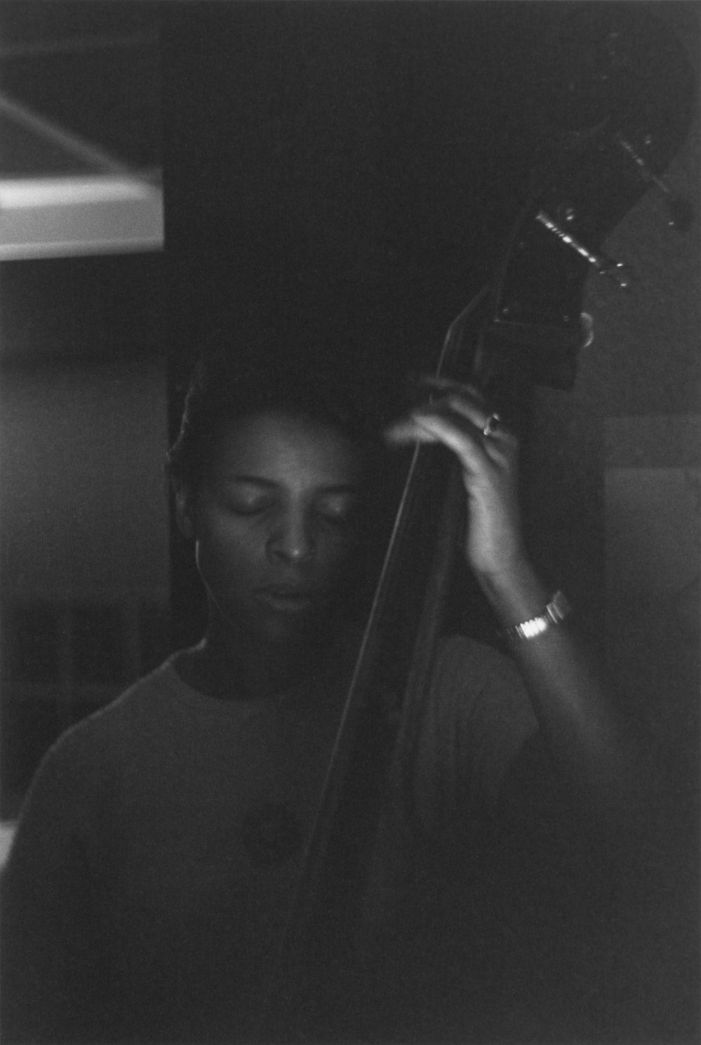 Edna Smith, bassist