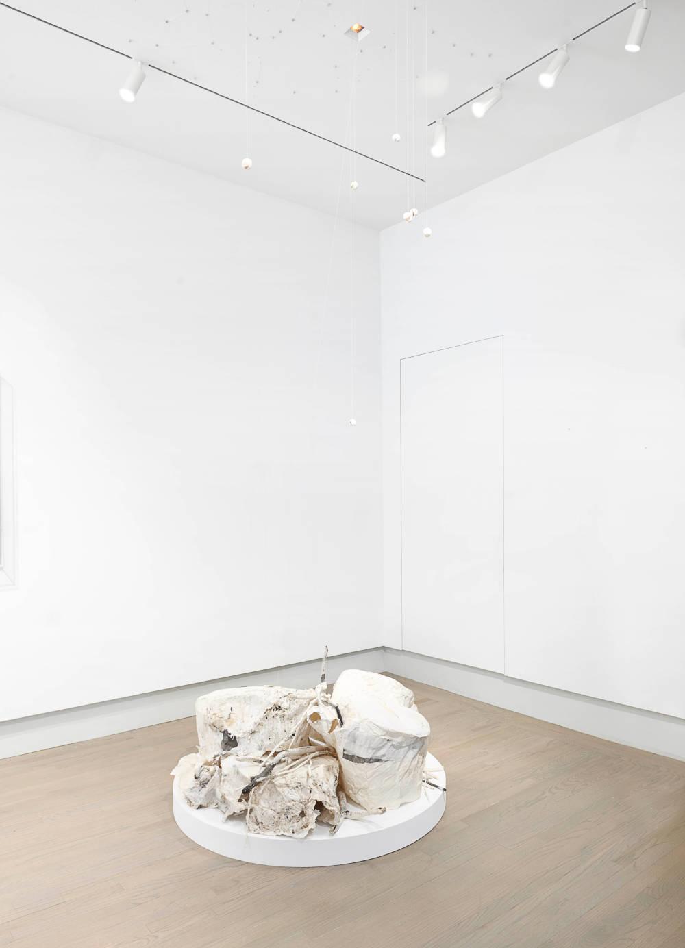 Helwaser Gallery Lin Yan 3