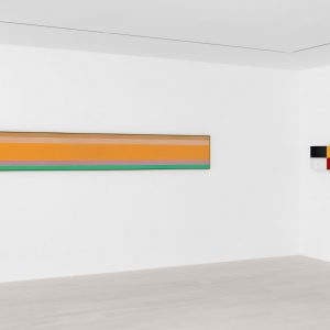 Kenneth Noland and Donald Judd: Color and Form @Mignoni, New York  - GalleriesNow.net