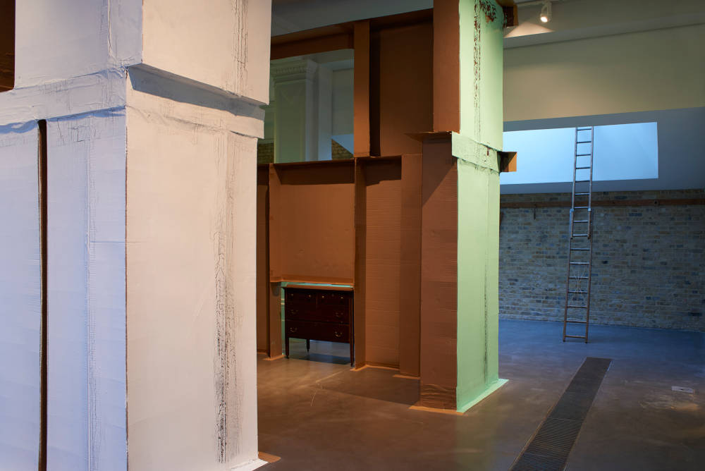 Whitechapel Gallery Carlos Bunga 5