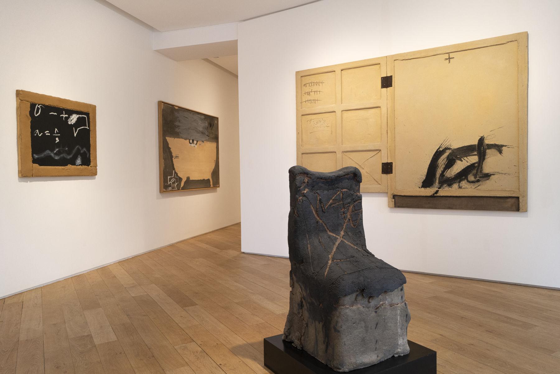 Galerie Lelong Antoni Tapies 1