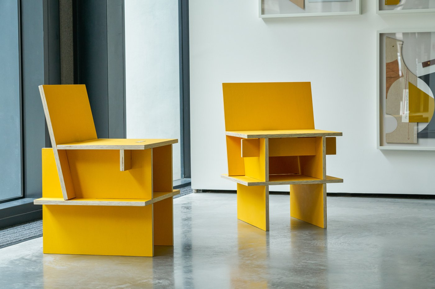 Sillas Núcleo (two chairs)