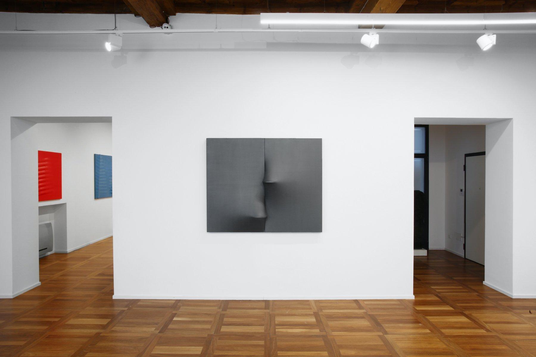 Cortesi Gallery Milan Agostino Bonalumi 1