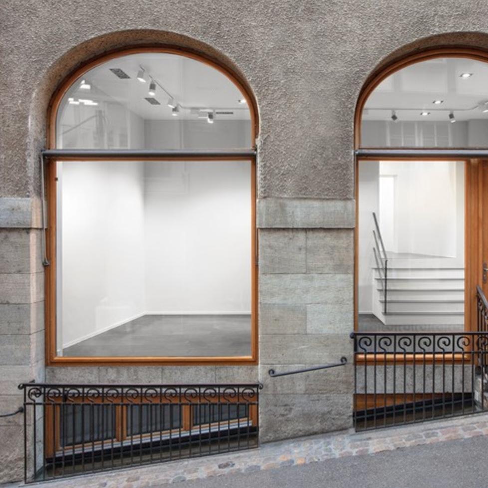 Louise Bonnet: Sphinxes @Gagosian, Basel  - GalleriesNow.net