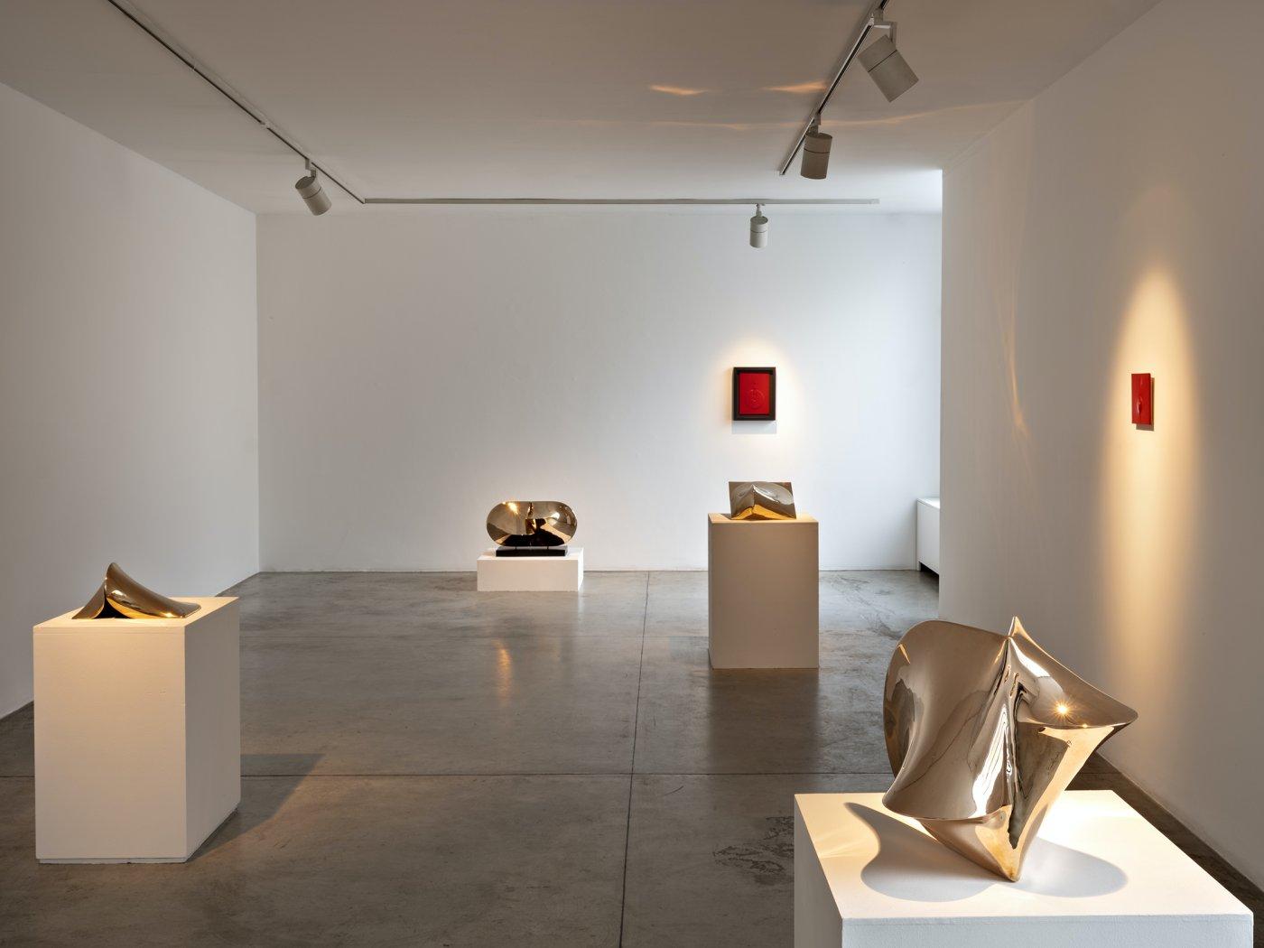 Cardi Gallery Milan Agostino Bonalumi 5