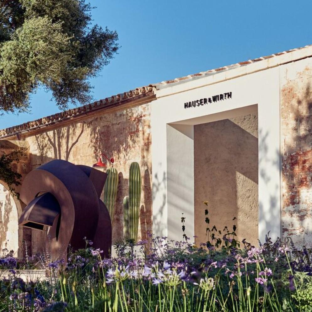 Mark Bradford: Masses and Movements @Hauser & Wirth Menorca, Mahón  - GalleriesNow.net